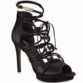 Arezzo verão 2014 sandália de couro pretas com detalhe em metal