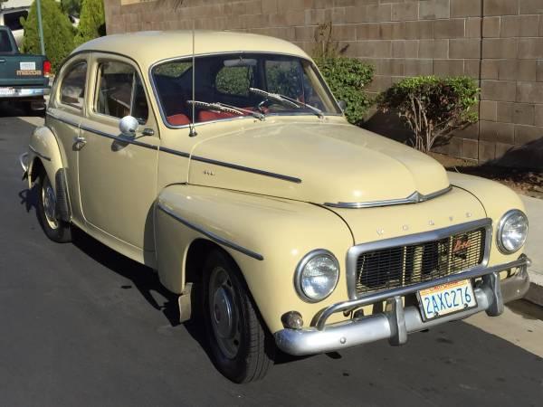 Both Were 2 Door Sedans Designed Pretty Much During World War II (although  The Volkswagen Project Had Its Origins ...