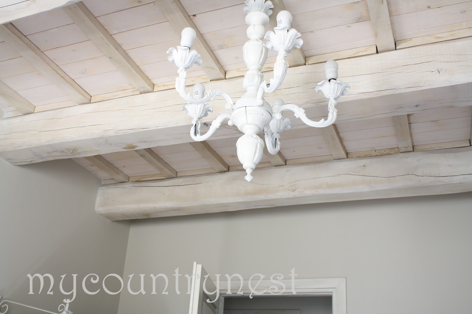 My country nest: Aura Soave: shabby chic room