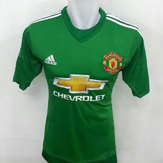 gambar desain terbaru jersey kiper manchester united warna hijau musim depan di enkosa sport toko online terpercaya lokasi di jakarta pasar tanah abang