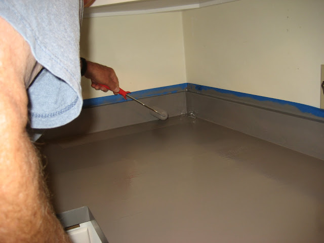 Rustoleum Countertop Paint Smell : This stuff is tough to work with...