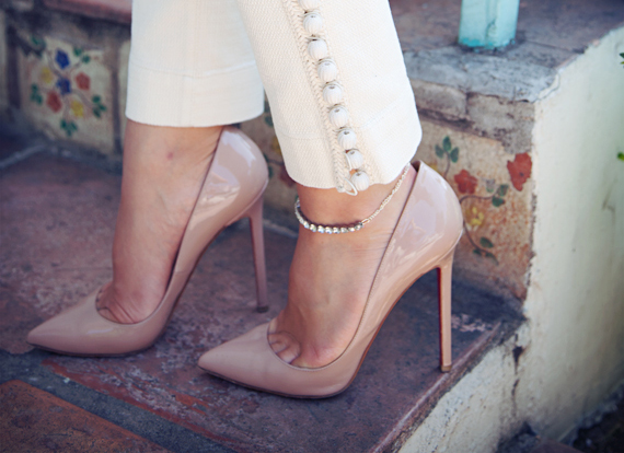 anklet, ankle bracelet, louboutin shoes, nude pumps, fashion bloggers