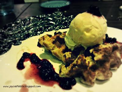 blueberry waffle vanilla ice cream