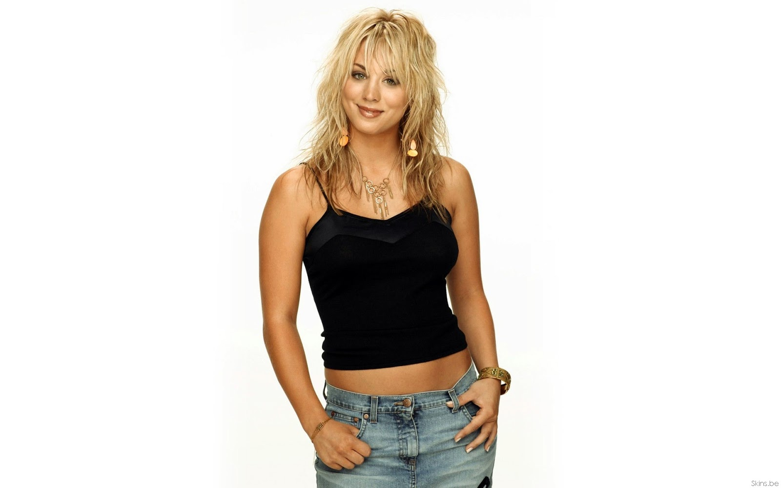 hq celebrity pictures kaley cuoco hot hd wallpapers