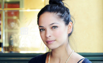 Kristin Kreuk Actress HD Wallpaper