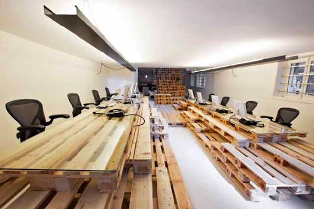 Oficina en Ámsterdam, hecha a base de palets