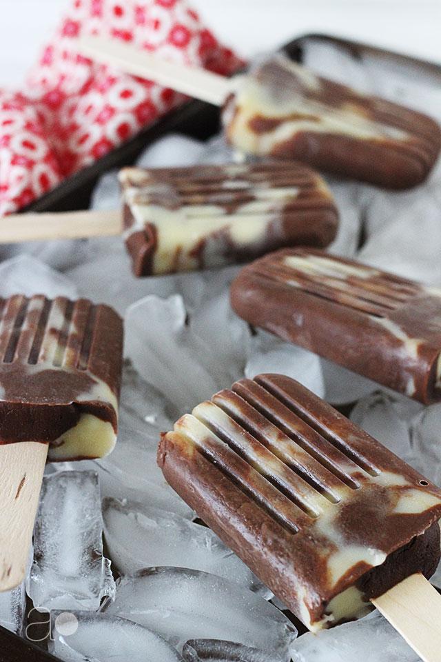 ambrosia: Chocolate Vanilla Pudding Swirl Pops