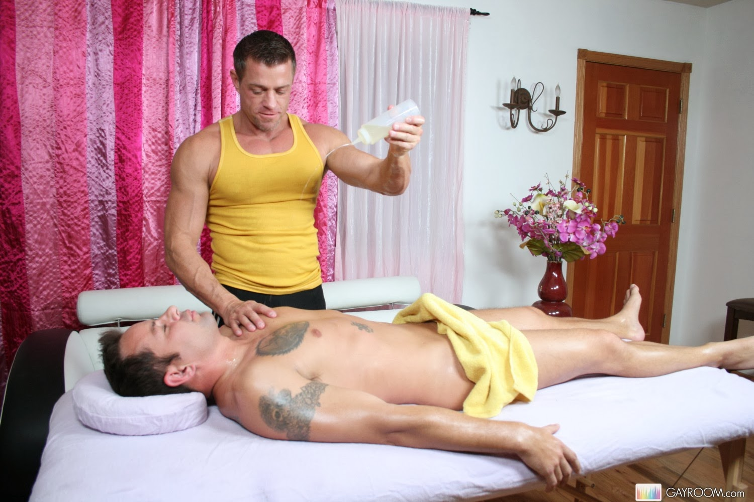 nude-male-massage-by-woman