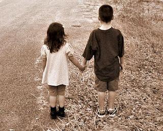 Bagaimanakah jika jatuh cinta kepada sahabat?