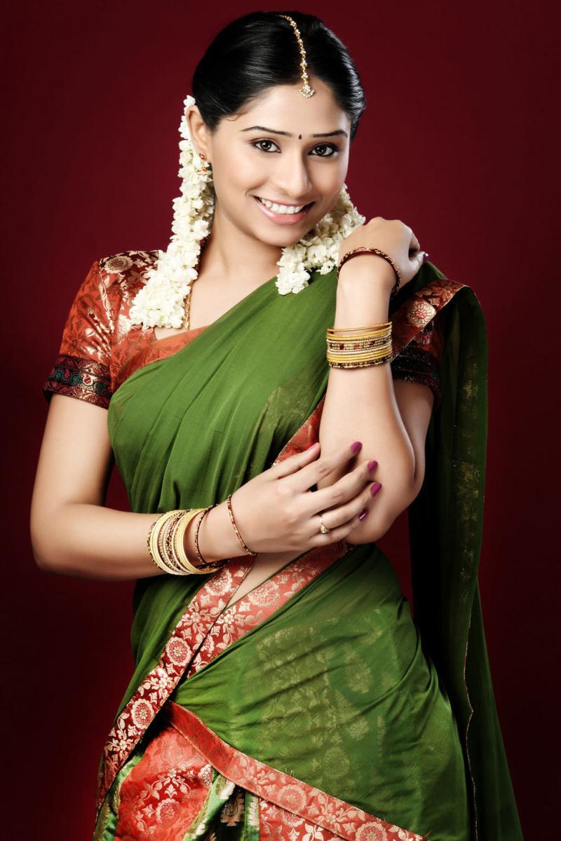 Actress laya family photos