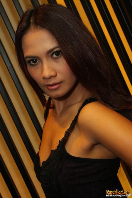 artis model terpanas lia aulia sexy expose