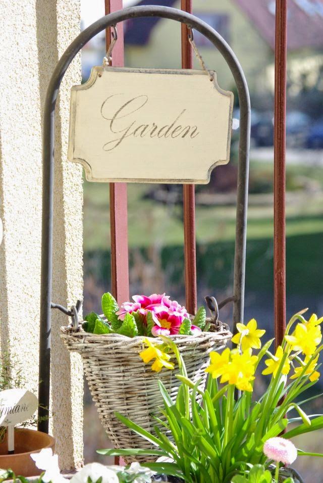 kwiaty na balkonie, wiosna na balkonie