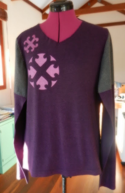 stencilling on a refashioned t-shirt
