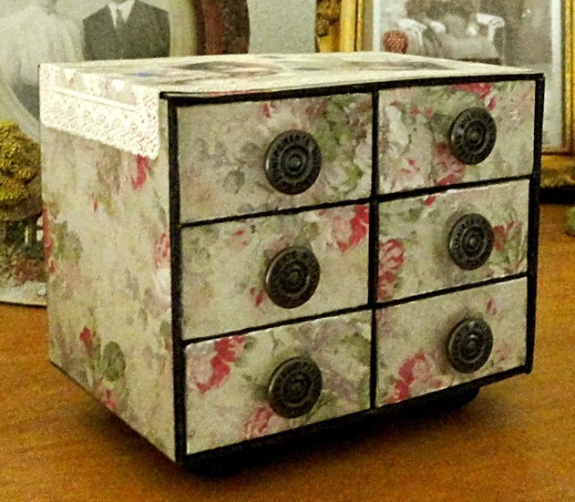 Lindas Crafty Inspirations Craft Project Matchbox jewelry box