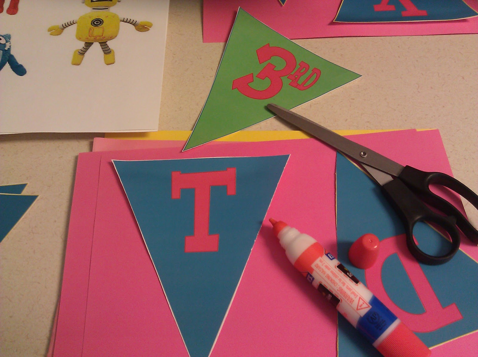 City Kittys Blog Spot HOW TO DIY Yo Gabba Gabba Birthday decorations