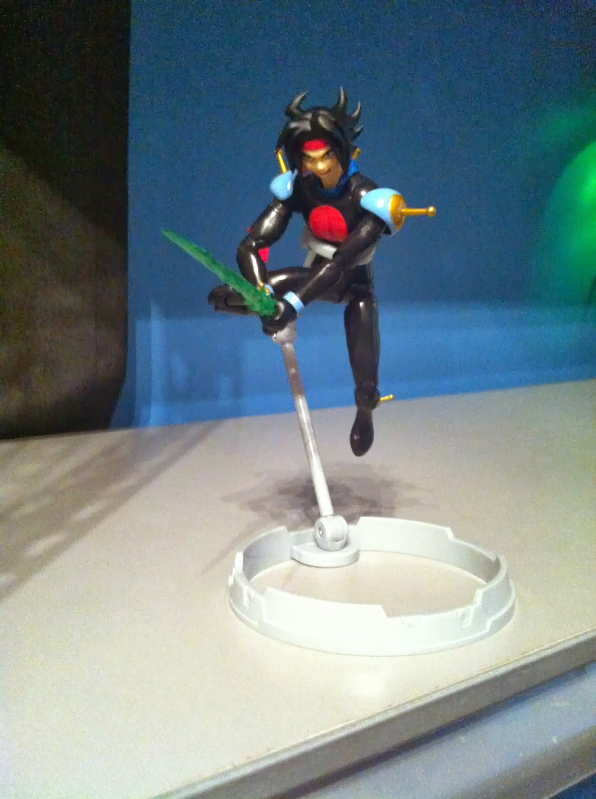 Dare to be stupid awesome figuarts review time s h for Domon man 2013