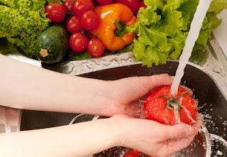 Begini Cara Mencuci dan Menyimpan Buah dan Sayur dalam Kulkas