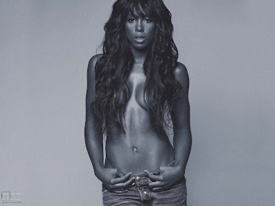 0046 >Kelly Rowland Topless par Derek Blanks
