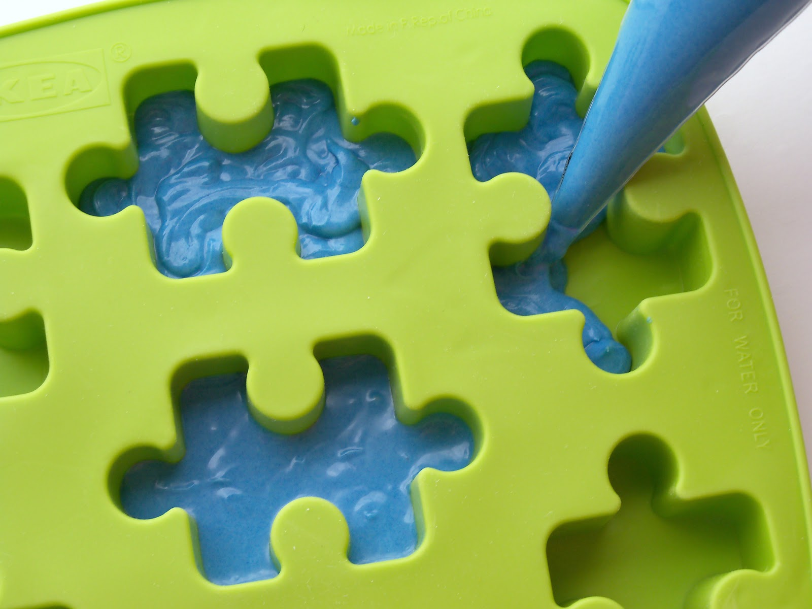 Candied Cake Decoration Crossword : Bird On A Cake: Puzzle Piece Cake