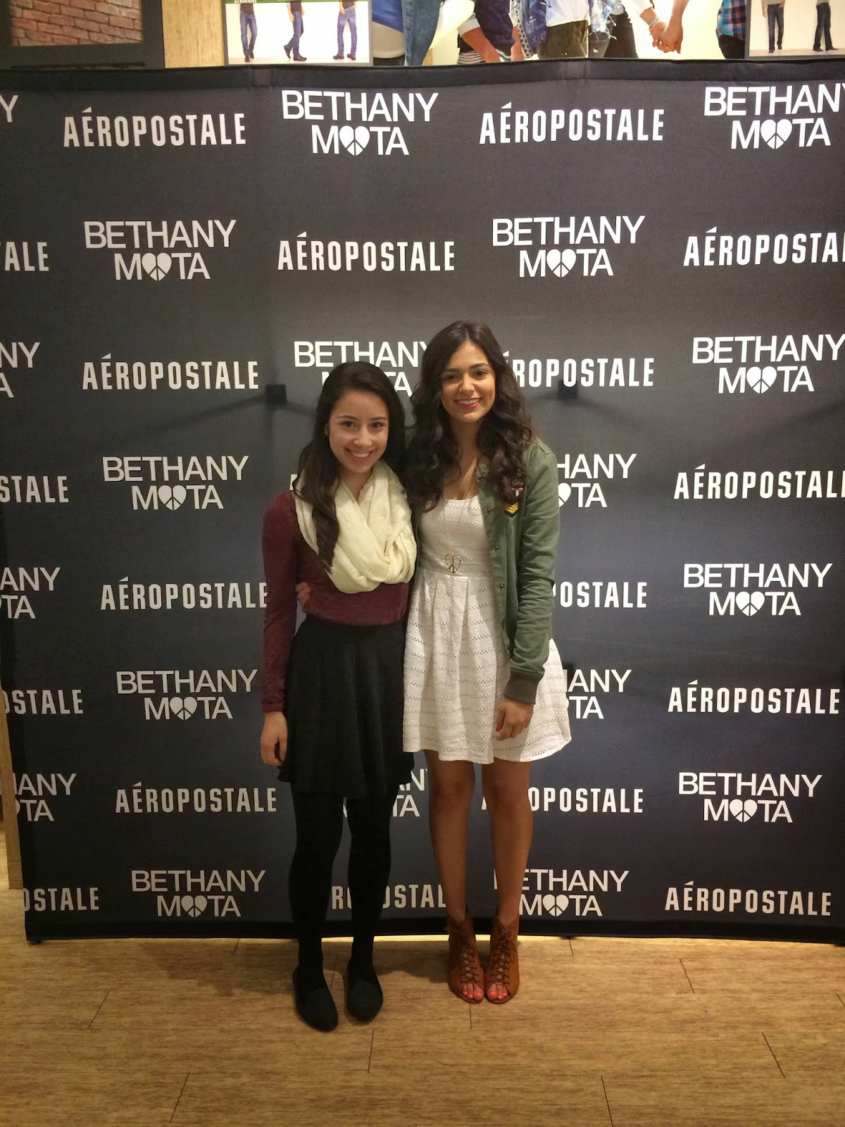 Knots and ruffles i got to meet bethany mota bethany was one of the first youtubers i started watching around four years ago and its amazing to see how far shes come here are some photos that i took m4hsunfo