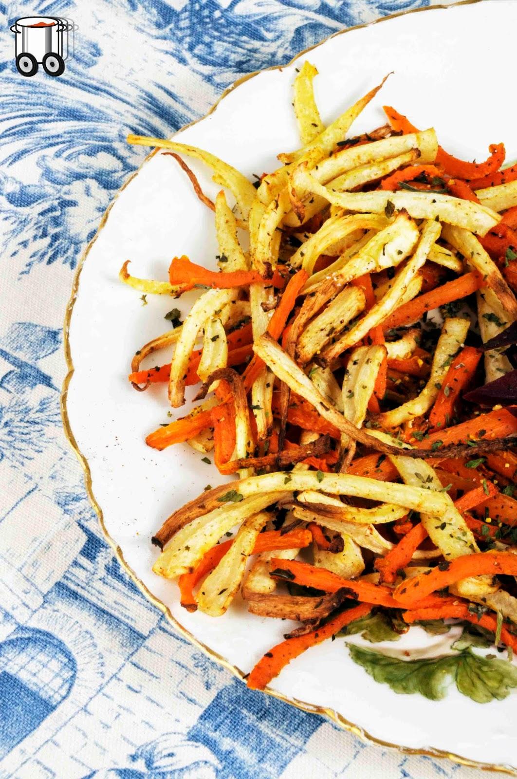 Szybko Tanio Smacznie - Domowe frytki z pietruszki i marchewki z lubczykiem