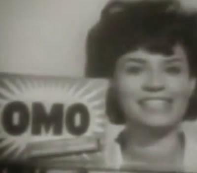 Propaganda clássica do sabão OMO nos anos 50.