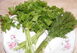 patrunjel, patrunjel verde, marar, marar verde, verdeata pentru omleta, ingrediente omleta, retete culinare, preparate culinare, reteta omleta,