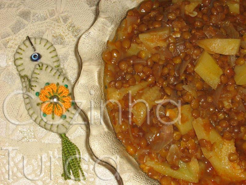 Estufado de Lentilhas e Courgette (Mercimekli Kabak)