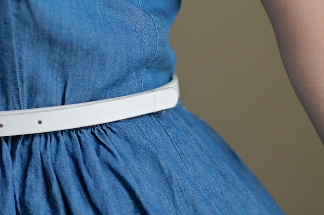 Waist belt with hair band loop
