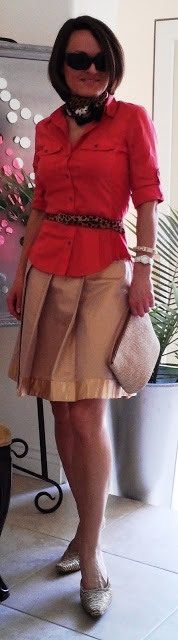 blog.oanasinga.com-outfit-ideas-personal-style-photos-gold-pleated-skirt-during-daytime-1