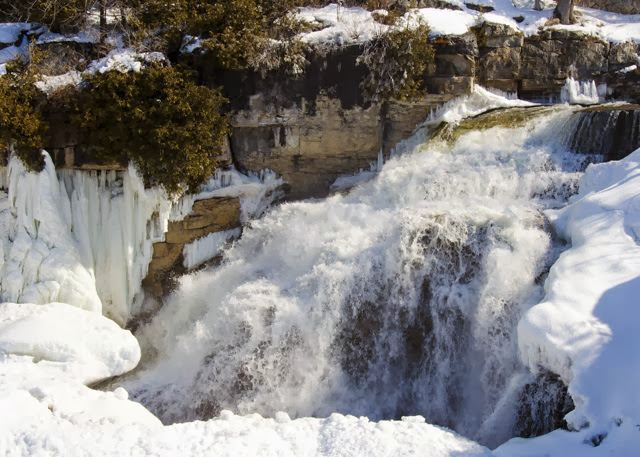 Inglis Falls in the Winter 2014