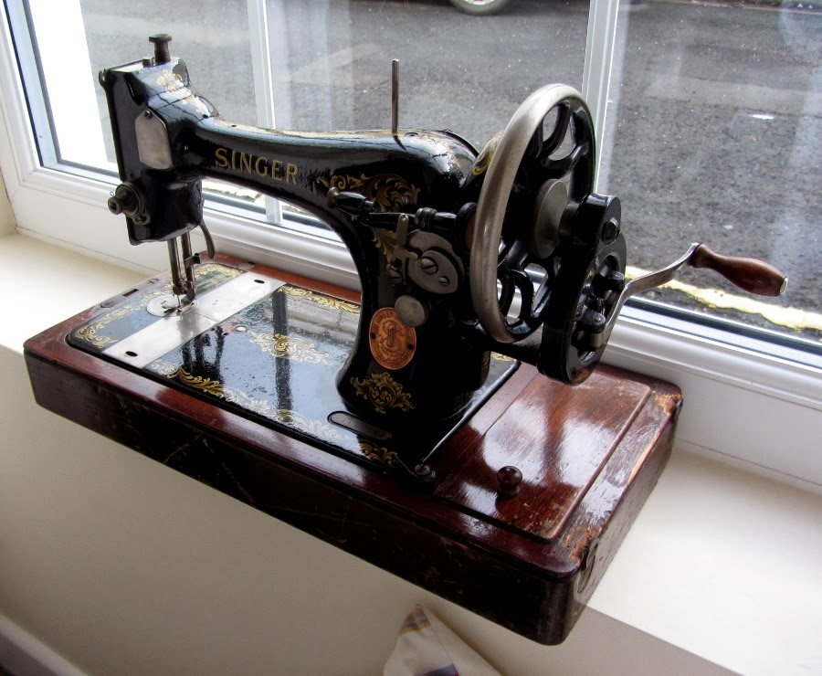 1918 Singer sewing machine