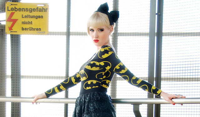 Lazy Oaf, Batman, Bow