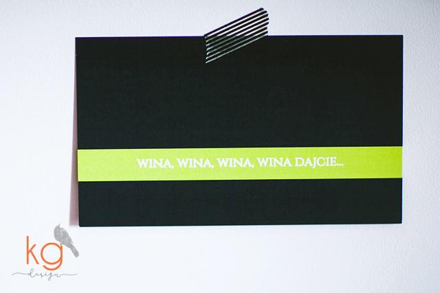 minimalistyczne, trawa cytrynowa, pojedyncze karty, eleganckie, wyjątkowe, granatowe, klasyczne, menu, dodatki ślubne, winietki, napis na wstążce,  Oryginalne, nietypowe zaporszenia ślubne, ręcznie robione, eleganckie, wyjatkowe, KG Design, papeteria slubna, poligrafia ślubna, hand made, winietki, numery stołów, menu weselne, plan stołów, napis na wstążce, ozdobne karteczki z napisami.Granatowo-limonkowe, granatowo-zielone, osobne karty, pojedyncze karty, koperta z personalizacją, koperta biała z naklejaną etykietą granatowo-zieloną, RSVP, potwierdzenie przybycia, prostota, ciemny granat, projekt ślubny zaproszeń, dodatków ślubnych, dodatki na wesele, kg design,