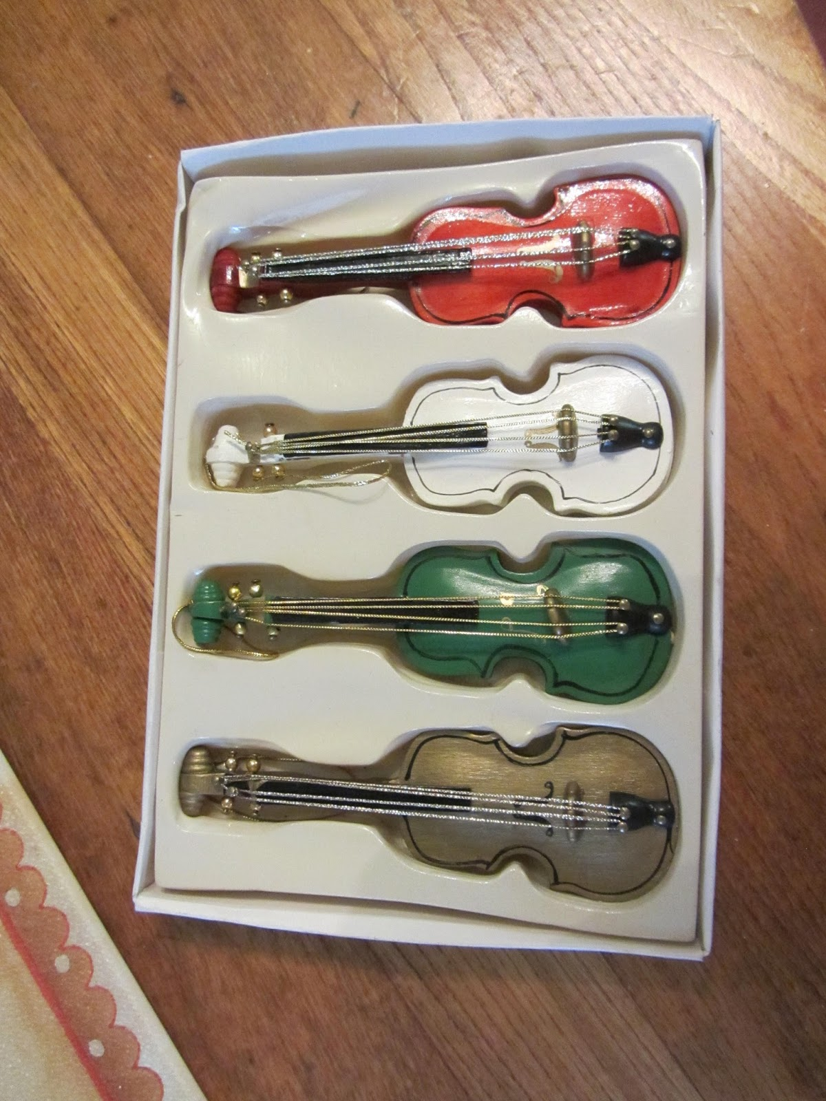 Violin christmas ornaments - I Purchased These Four Little Wooden Violins At The Thrift Shop For 2 Or 50 Cents Per Ornament