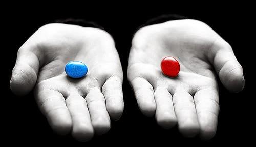 LAS ILU...SION...ES DE LA MA...TRIX ... Matrix-pastilla-roja-pastilla-azul1%2B%282%29