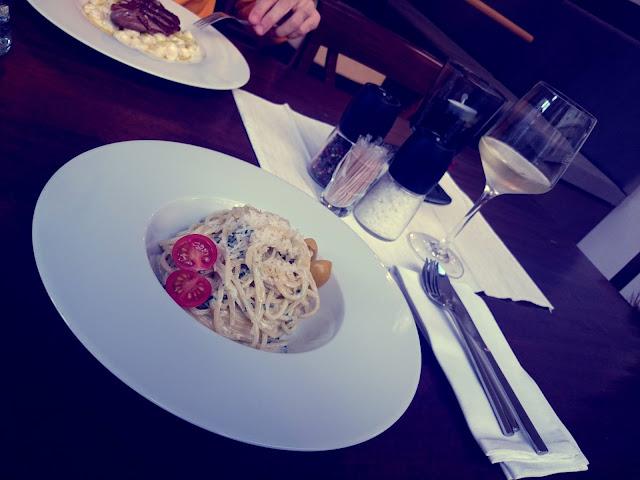 Oběd v La Fufu