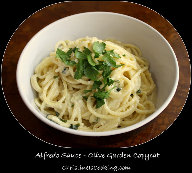 This Homemade Copycat Olive Garden Alfredo Sauce is a fast and easy dinner, and even better than the original! This alfredo sauce recipe is made with cream cheese for an extra creamy result.