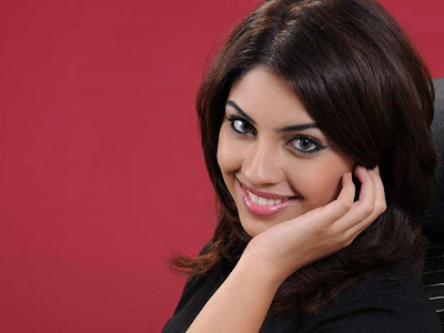 Richa Gangopadhyay Normal Resolution HD Wallpaper 1