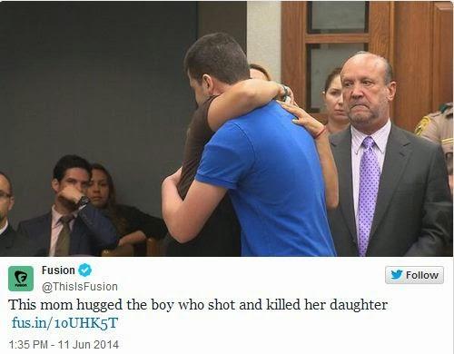 Una madre perdono' al asesino de su hija y lo abraza en el juicio