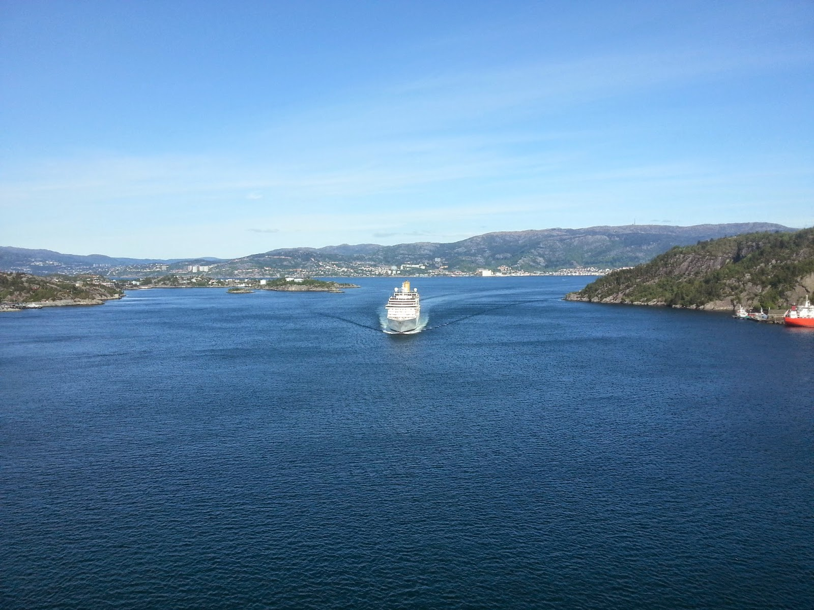 P&O Cruise Ship Arcadia departs Bergen, Norway