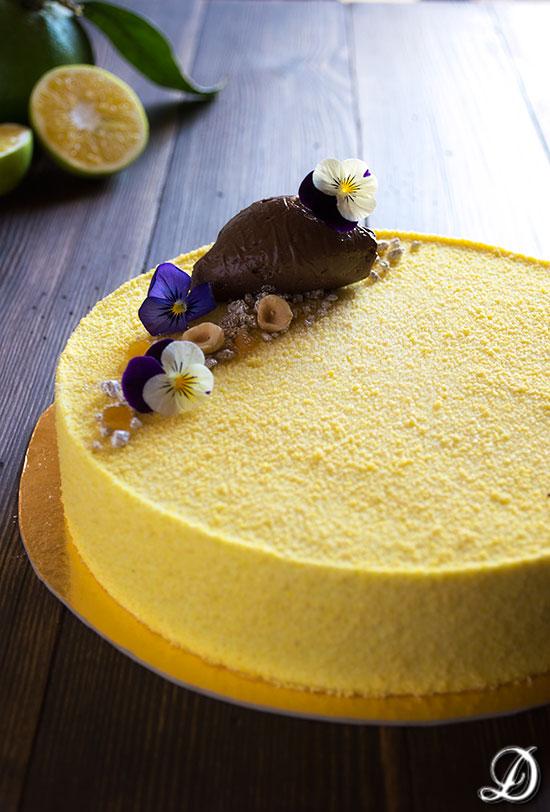 Tarta de Yuzu, Peras y Cremoso de Chocolate con Haba Tonka