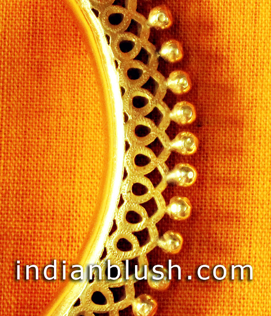 picture of traditional jewellery of bengal