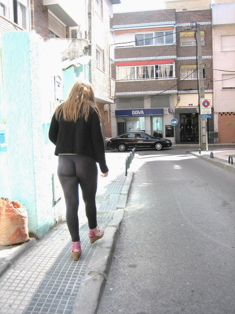 Mujeres Nalgonas Captadas En La Calle Licra