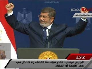 الرئيس مرسي في خطابه يعتذر عن نقص الوقود: «والله نفسي أقف معاكو في الطوابير»