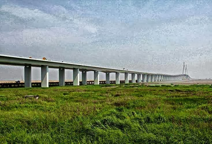 Hangzhou Bay Bridge (China)
