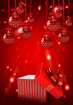 Esferas rojas en postal de Navidad