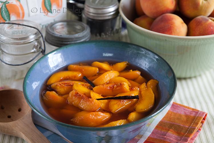Cafe Lynnylu: Bourbon Poached Peaches