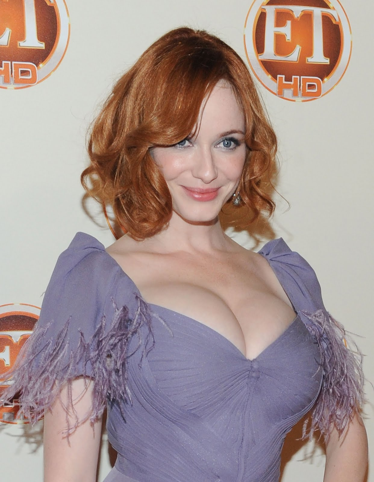 http://2.bp.blogspot.com/-iZLZ5PVxgcs/Te5Mq7HvrrI/AAAAAAAAAYU/7dLIBJSwuGA/s1600/94926-christina-hendricks-entertainment-tonight-em.jpg