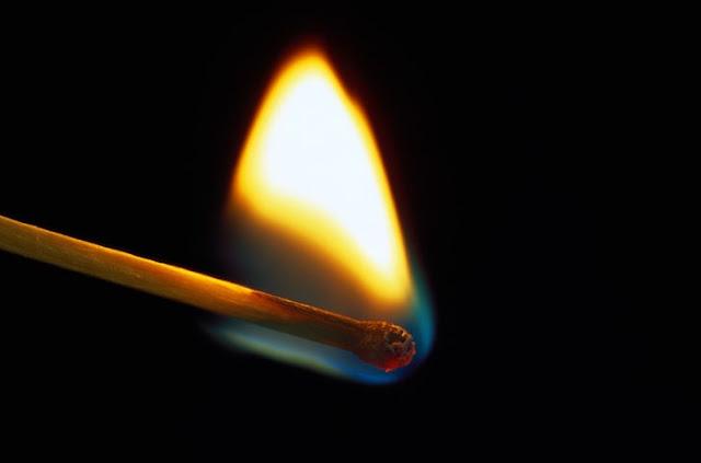 Korek Api dan Korek Gas